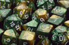 Polyhedral Gold-Green w/white d8 - PG0825